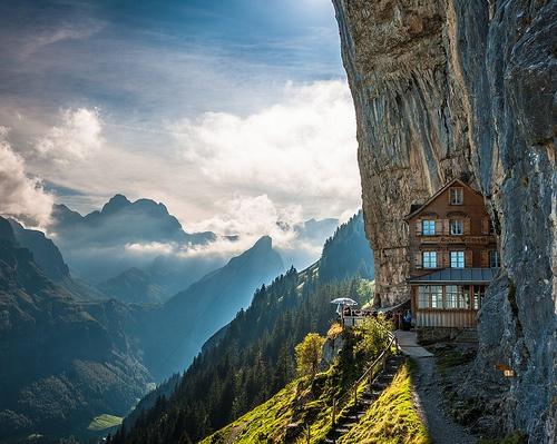 Stevan Noronha - Amazing Travel Find